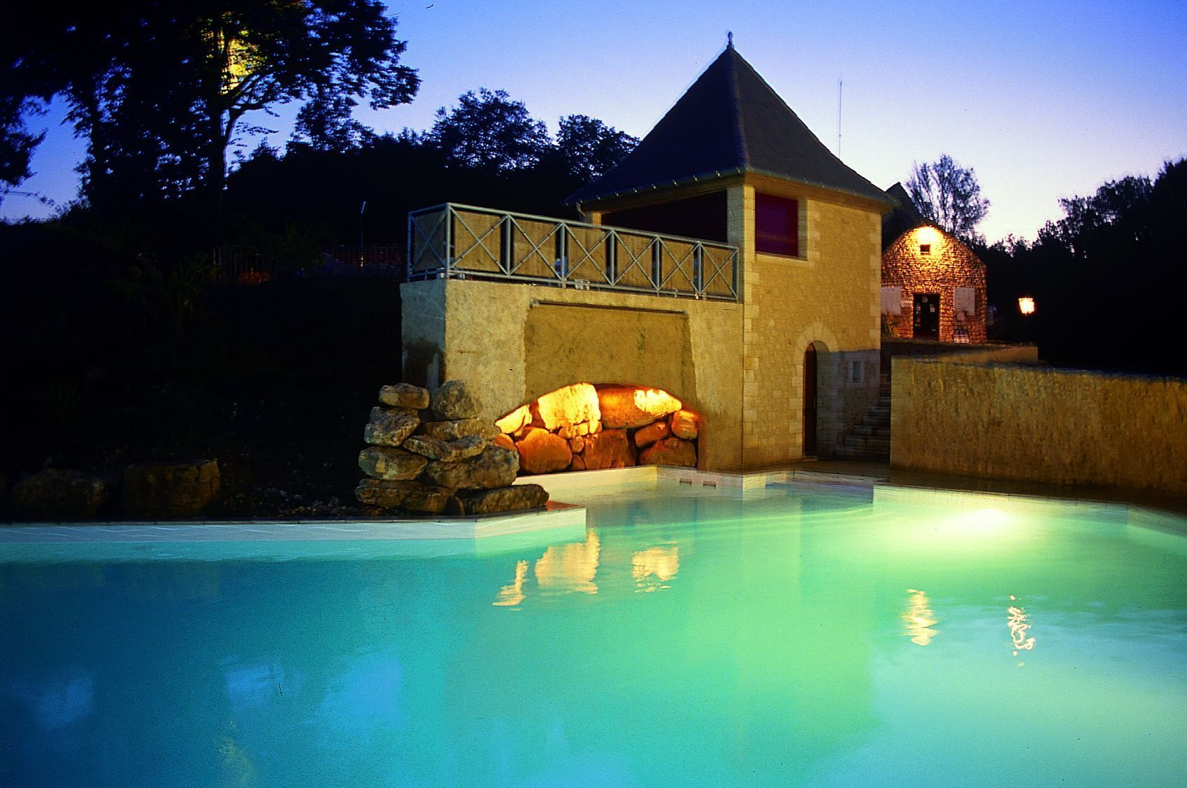 Le val d 39 ussel for Piscine ussel